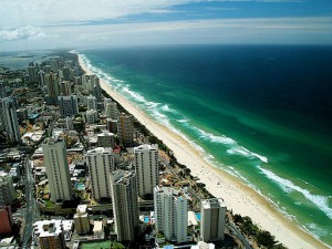 Gold Coast by air. Photo credit: By Syed Abdul Khaliq from Shah Alam, Malaysia [CC-BY-2.0], via Wikimedia Commons